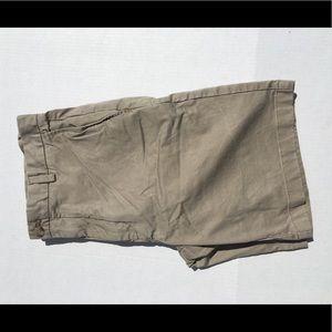 Vineyard Vines khaki shorts waist 34